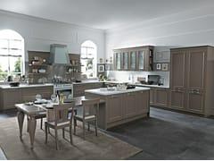 Cucina componibile con isola ROMANTICA | Cucina laccata -