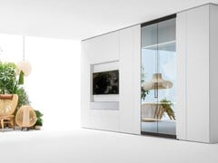 Armadio con porta tv apribile e apertura totale in vetro ROOMY | Armadio con TV integrata - Roomy