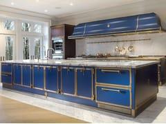 Cucina professionale su misura in acciaio con isolaSAPPHIRE BLUE & BURNISHED BRASS - OFFICINE GULLO