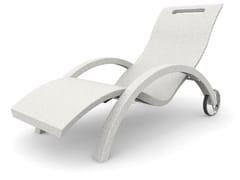Lettino da giardino in polietilene con braccioli con ruoteSERENDIPITY® CHAISE S110 - ARKEMA DESIGN