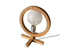 Lampada da tavolo a luce diretta alogena in rovereSHE - ARKOF LABODESIGN