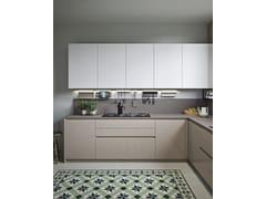 Cucina laccata lineare in legno e vetroSISTEMA 22 - AMBIENTE 02 - ALTA