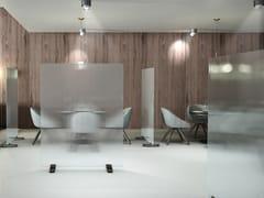 Divisorio ufficio freestanding in vetro temperatoSKIN - GLAS ITALIA