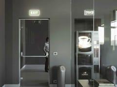 Parete divisoria con porta antipanicoSPAZIO | Porta antipanico - FARAONE