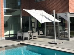 Umbrosa, SPECTRA STRAIGHT Ombrellone orientabile quadrato in alluminio anodizzato con palo laterale
