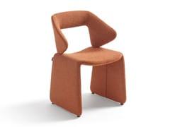 Sedia imbottita in tessuto con braccioliSUIT | Sedia - ARTIFORT