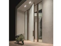Porta blindata a bilico con rivestimento in vetroSYNUA | Porta d'ingresso - OIKOS VENEZIA