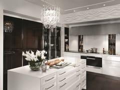 Cucina laccata  con zona colonne in ebano lucido/vetroSieMatic CLASSIC - SE 2002 BA - SIEMATIC MÖBELWERKE