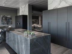 Cucina con doppia isola e colonne con ante a scomparsaT45   Cucina con doppia isola - TM ITALIA CUCINE