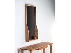 Specchio con cornice da pareteTARA - HOOKL UND STOOL