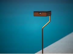 Paletto luminoso ad energia solare in acciaio con vernice epossidicaTEE   Paletto luminoso ad energia solare - ARALIA - LYX-LUMINAIRES
