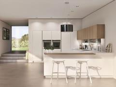Cucina componibile laccata in gres porcellanato con penisola TELERO | Cucina laccata -