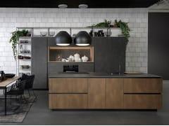 Cucina in acciaio e legno con isolaTIO - RATIONAL