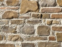 Rivestimento in pietra ricostruitaTOSCANO P72 | Marrone - GEOPIETRA