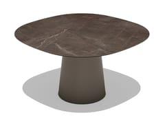 Tavolo da giardino quadrato in ceramicaTOTEM OUTDOOR | Tavolo da giardino - SOVET ITALIA