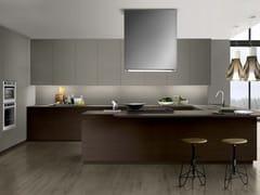 Cucina in Fenix-NTM® con maniglie integrate con penisolaTOUCH 04 - COMPOSIT
