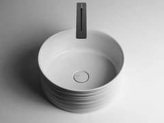 Lavabo da appoggio rotondo singolo in ceramicaTRACE | Lavabo rotondo - VALDAMA