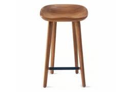 Sgabello in legno massello con poggiapiediTRACTOR | Sgabello - BASSAMFELLOWS