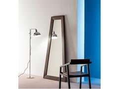 Specchio da terra a forma trapezoidale in legno masselloTRAPEZIO - DEVINA NAIS