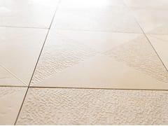 Lithos Mosaico Italia, TRIANGULAR SQUARE Pavimento/rivestimento in pietra di Trani