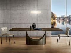 Tavolo con base in metallo e piano in legnoU | Tavolo in legno - LAGO