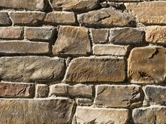 Rivestimento in pietra ricostruitaVALLESE P18 | Meseta - GEOPIETRA