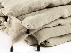 Trapunta a tinta unita ricamata a mano in linoVEDA | Trapunta - ÉLITIS