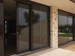 Porta-finestra alzante scorrevole in legno e vetro con triplo vetroVITRUM 90 - CARMINATI SERRAMENTI