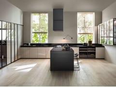 Cucina laccata lineare in legno senza maniglie VVD | Cucina lineare -