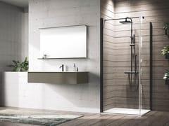 Box doccia a nicchia con porta a battenteYOUNG | G+F - NOVELLINI