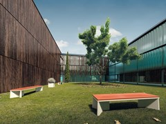 Panchina senza schienaleZUBI - ULMA ARCHITECTURAL SOLUTIONS