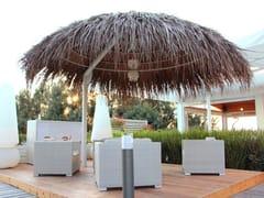Ombrellone con palo laterale in Makuti naturaleEXOTIC TRES CHIC | Ombrellone con palo laterale - AFRICA STYLE
