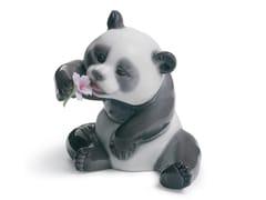 Soprammobile in porcellanaA CHEERFUL PANDA - LLADRÓ