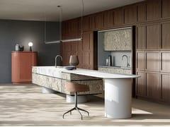 Cucina in legno con isolaARCHETIPO ALPI SOTTSASS - L'OTTOCENTO