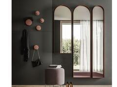 Specchio in metallo con cornice da pareteARK - APP DESIGN