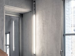 Lampada a parete in policarbonatoBACCHETTA MAGICA FLUO | Parete - VIABIZZUNO