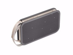 Diffusore acusticoBANG & OLUFSEN - BEOPLAY A2 Charc-Sand - ARCHIPRODUCTS.COM
