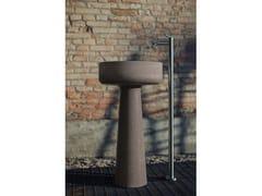 Lavabo freestanding in Cementoskin®BJHON 1 OUTDOOR - AGAPE