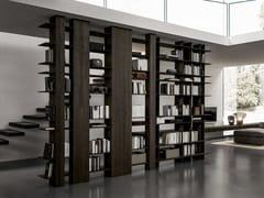 Libreria bifacciale in eucalipto con fissaggio pavimento-soffittoBLADE   Libreria - MODULNOVA