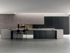 Cucina con isola in pietra piasentina, gres black e cedroBLADE   Cucina - MODULNOVA