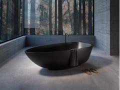Vasca da bagno asimmetrica centro stanza in SharkBOMA | Vasca da bagno centro stanza - REXA DESIGN