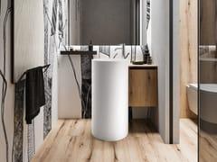 Lavabo freestanding rotondo in Solid SurfaceCOLONNA CAPSULE N.1 110 - CERASA