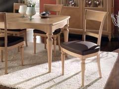 Sedia imbottita in legno massello con schienale apertoCHANEL | Sedia - ARVESTYLE