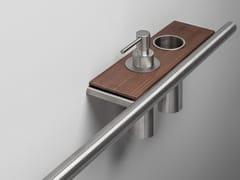 Porta asciugamani / mensola bagno in acciaio inox e legnoCILINDRO | Porta asciugamani in acciaio inox e legno - FALPER