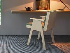 Sedia con braccioli e struttura in multistrato di pioppoCLUB 44 | Sedia con braccioli - AGAPECASA