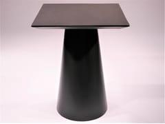 Tavolo quadrato con struttura in ferroCONAT   Tavolo quadrato - DADRA