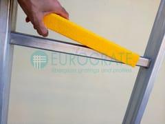Elemento antisdrucciolo per gradiniCOPRI PIOLI IN VETRORESINA PRFV - DIV. EUROGRATE - TICOMM & PROMACO