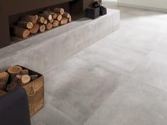 Pavimento/rivestimento in gres porcellanato effetto cemento COVER SILVER - URBATEK - Grès Porcellanato