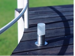 Paletto luminoso in acciaio inox per spazi pubbliciCUBIX FL | Paletto luminoso - BEL-LIGHTING