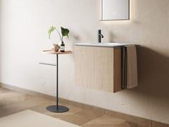 Mobile lavabo sospeso in rovere con porta asciugamaniCUBO   Mobile lavabo - COLAVENE